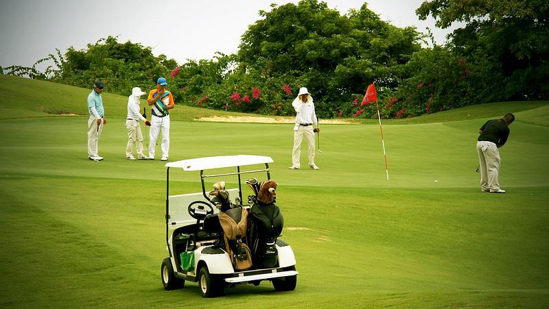 Mua xe điện sân golf